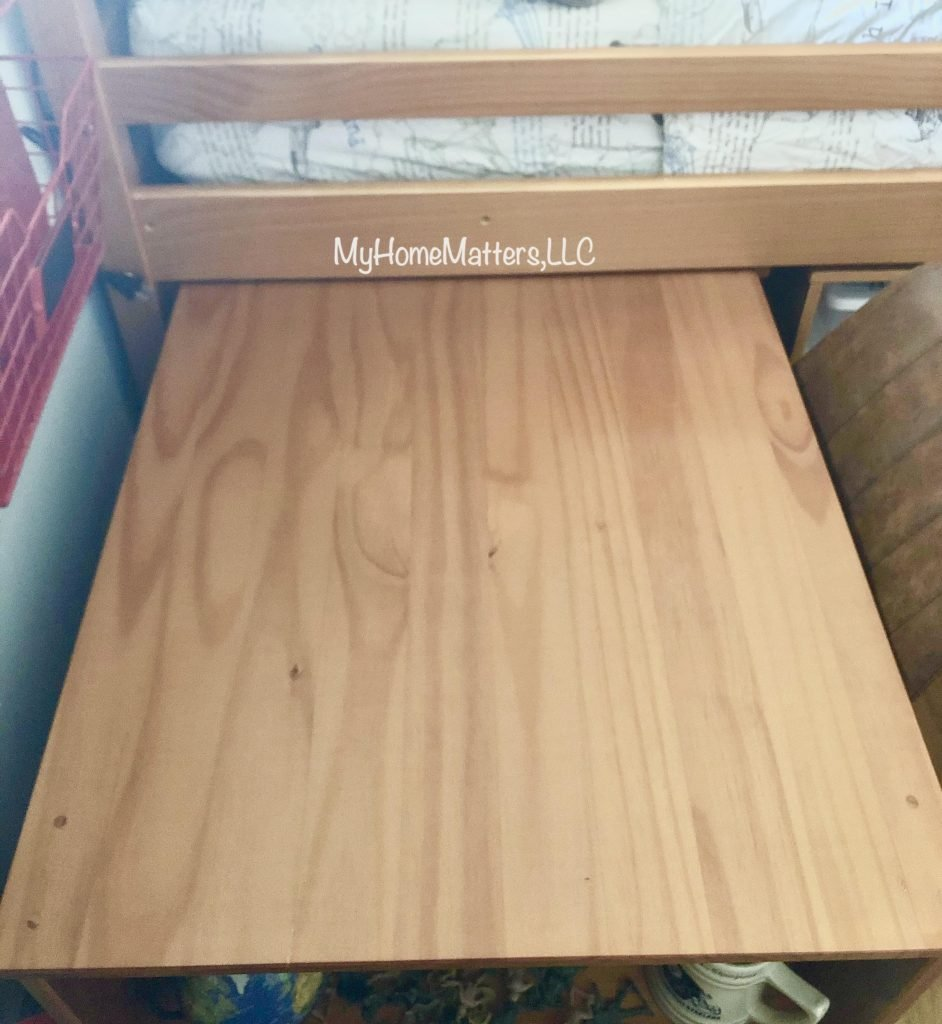 a pull out desk