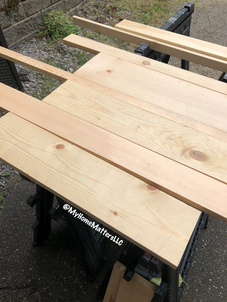 to show how to lay out random sizes of pine boards to make a rustic headboard